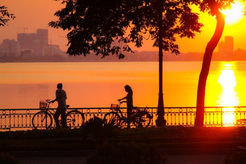 tramonto hanoi